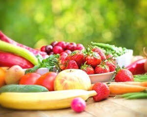 A heart-healthy diet that includes plenty of fresh fruits and vegetables can help to keep cholesterol levels down.