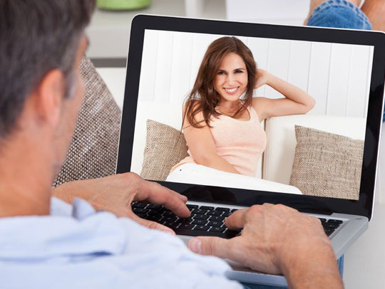 What is Online Dating at 50 Really Like? Get the Inside Story